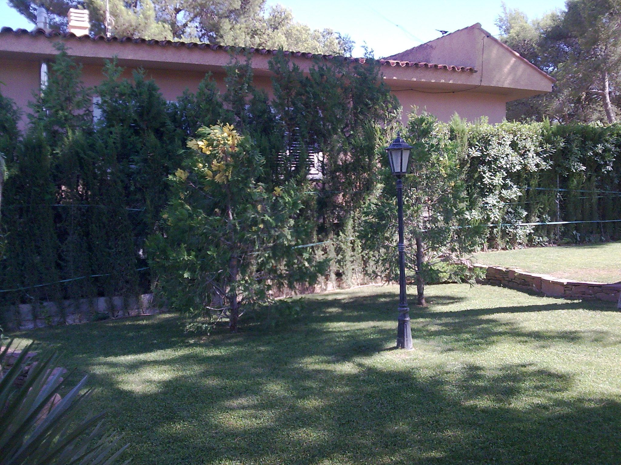 Mantenimiento de jardines valencia jardineria verde - Jardineria villanueva valencia ...